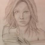 Bleistiftzeichnung von Daniel Bregenzer mit schulterfreiem Girl mit langen Haaren