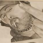 Daniel Bregenzer Bleistift Zeichnung Mittelfinger mit Zigarette und Bart Kumpel