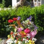 Stefan am Grab von Daniel